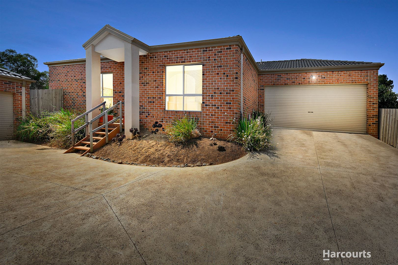 Photo - 2/7 Blue Gum Court, Pakenham VIC 3810  - Image 1
