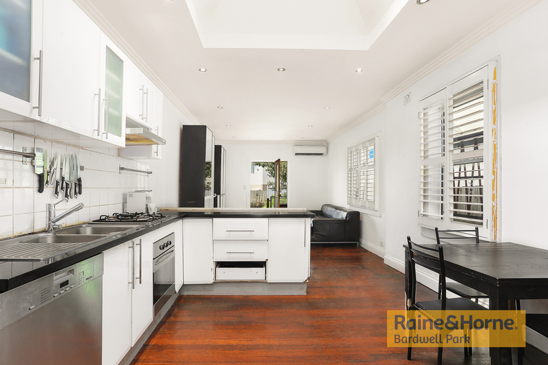 Photo - 27 Campbell Street, St Peters NSW 2044  - Image 3
