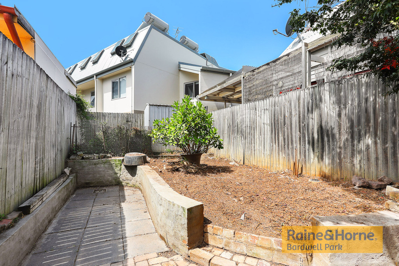 Photo - 27 Campbell Street, St Peters NSW 2044  - Image 4