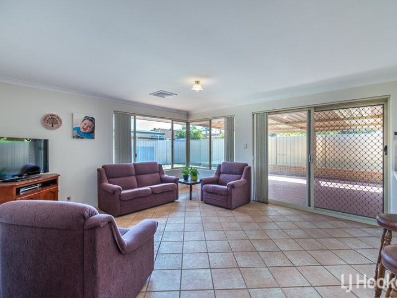 Photo - 27 Coolberry Road, Huntingdale WA 6110  - Image 5