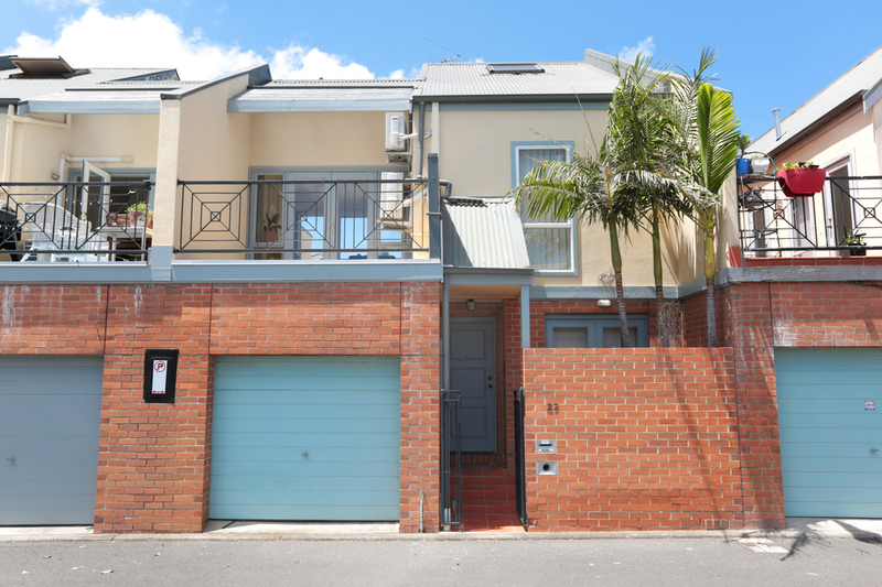 Photo - 27 Mcnamara Mews, Kensington VIC 3031  - Image 1