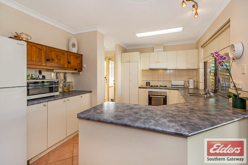 Photo - 27 Norring Street, Cooloongup WA 6168  - Image 2