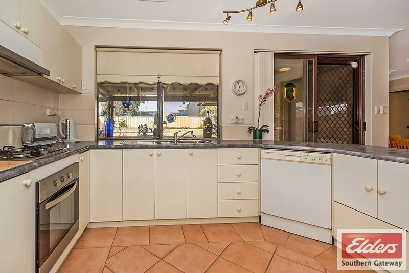 Photo - 27 Norring Street, Cooloongup WA 6168  - Image 3
