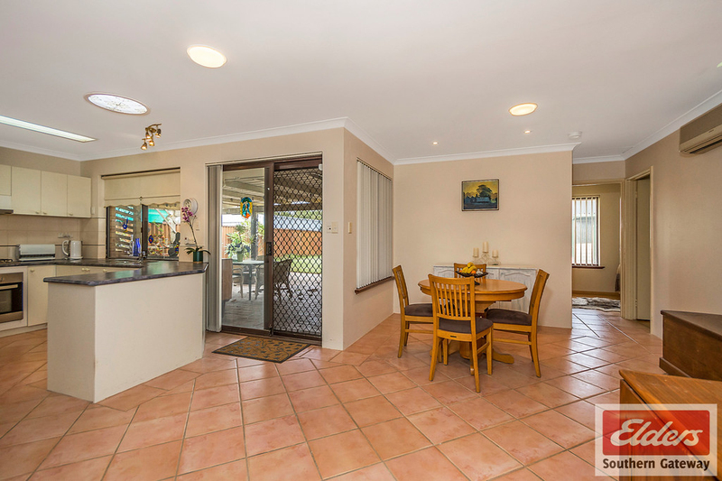 Photo - 27 Norring Street, Cooloongup WA 6168  - Image 4