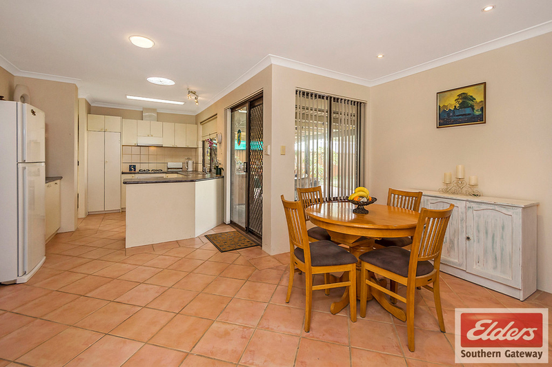 Photo - 27 Norring Street, Cooloongup WA 6168  - Image 6