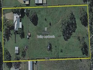 *****Exceptional Lush 2 acres with a GREAT Queenslander*****