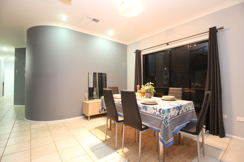Photo - 28 Jeppesen Drive, Emerald QLD 4720  - Image 10