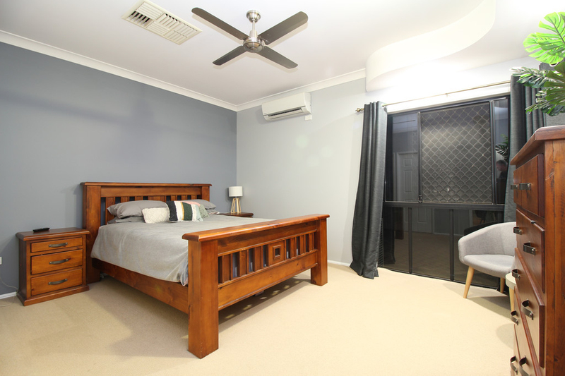 Photo - 28 Jeppesen Drive, Emerald QLD 4720  - Image 12