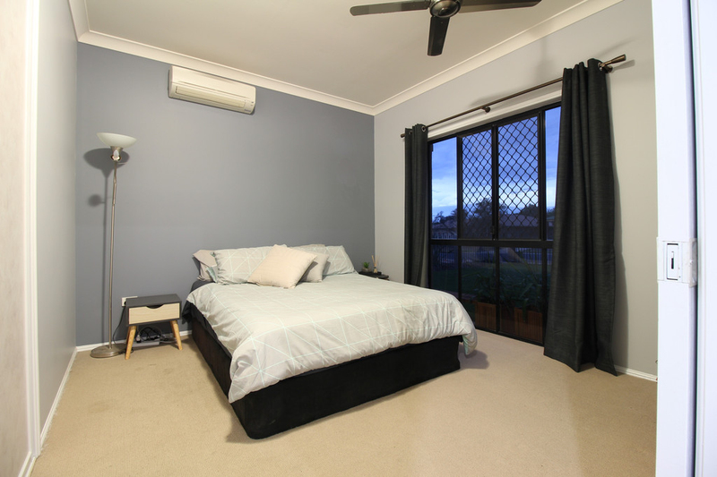 Photo - 28 Jeppesen Drive, Emerald QLD 4720  - Image 17