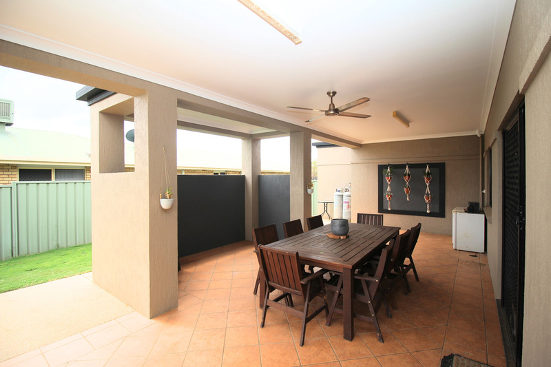 Photo - 28 Jeppesen Drive, Emerald QLD 4720  - Image 21