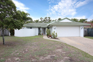 NATIONAL PARK AT YOUR BACKDOOR IN THE FABULOUS BANKSIA BEACH....