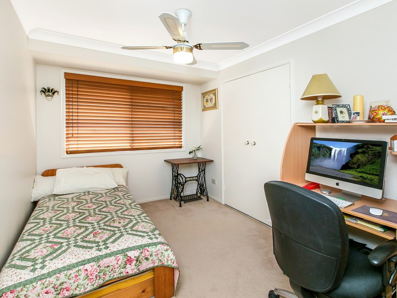 29 diford street capalaba qld 4157 On the family room capalaba