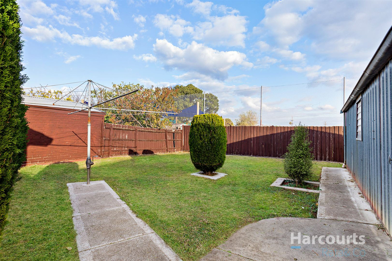 Photo - 29 Gladstone Street, Thomastown VIC 3074  - Image 11