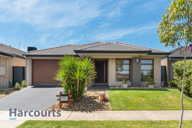 29 Murgese Circuit, Clyde North VIC 3978