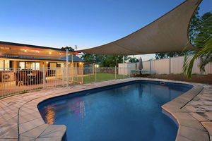 SPACIOUS ENTERTAINER on 807sqm with SHED!