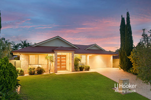 IMMACULATE ENTERTAINER'S DREAM!! POOL + YARD SPACE + DUCTED AIR + HIGH CEILINGS