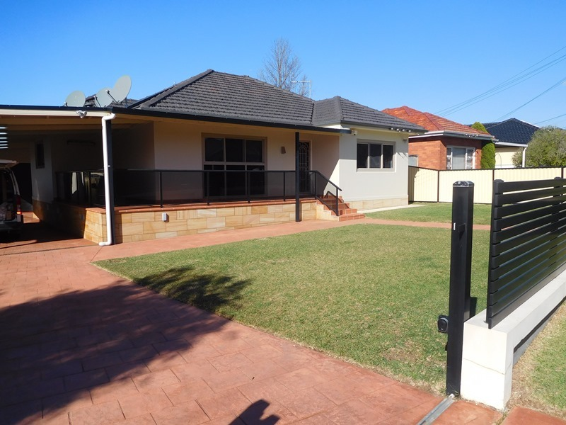 30 grimson cres liverpool nsw 2170 for Kitchens liverpool nsw