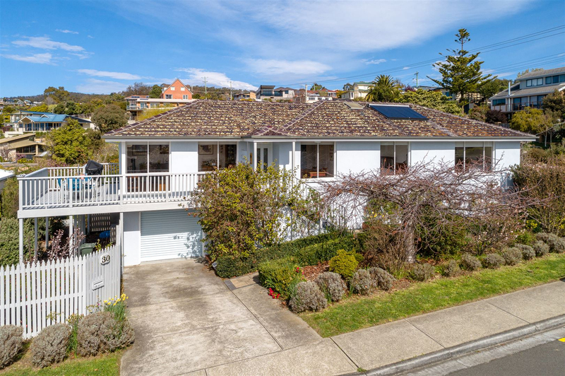 30 Hazell Street, Blackmans Bay TAS 7052