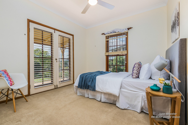 Photo - 31 Breadalbane Street, Carindale QLD 4152  - Image 12