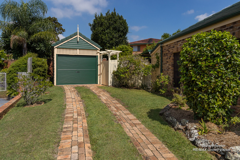 Photo - 31 Breadalbane Street, Carindale QLD 4152  - Image 17