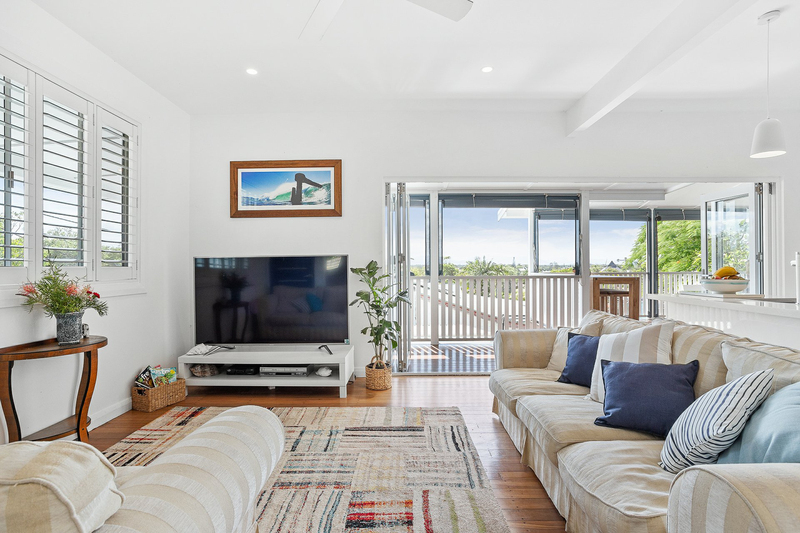 Photo - 31 Seaview Street, Byron Bay NSW 2481  - Image 2