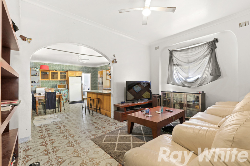 Photo - 31 Yule Street, Dulwich Hill NSW 2203  - Image 2