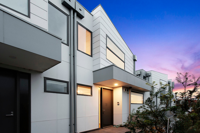 Photo - 3/11 Bay Street, Parkdale VIC 3195  - Image 2