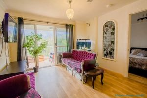 Walking Distance to Beach  - Bushland Outlook