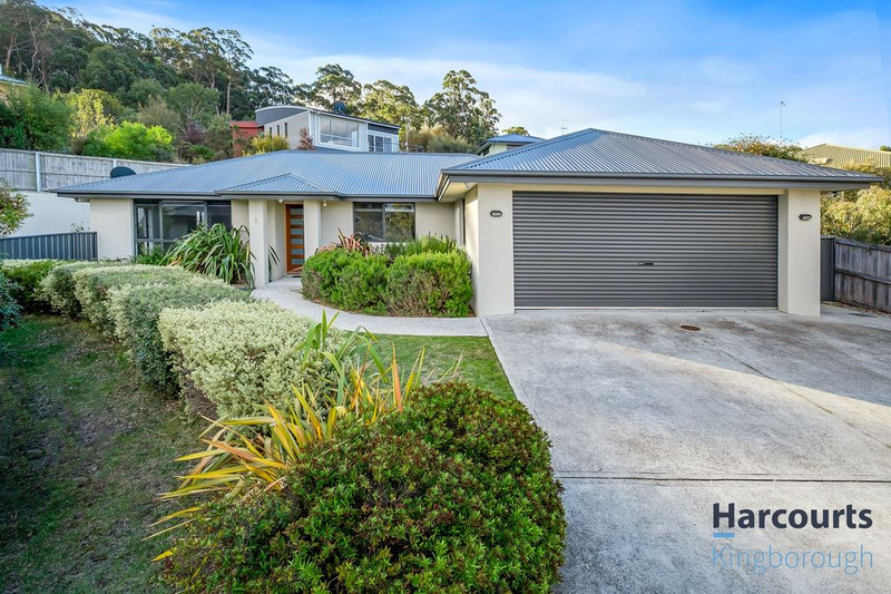 31B Stirling Avenue, Blackmans Bay TAS 7052