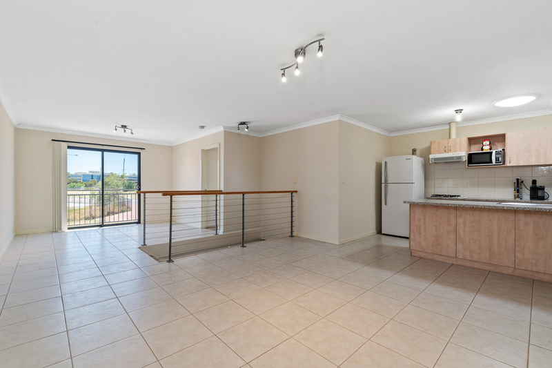 3/2 Hogarth Street, Cannington WA 6107