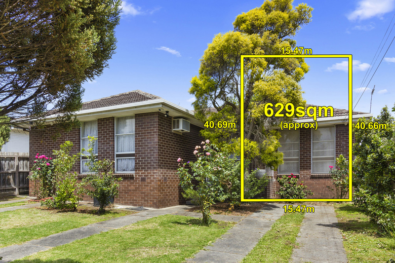 Photo - 32 Koonung Road, Blackburn North VIC 3130  - Image 1