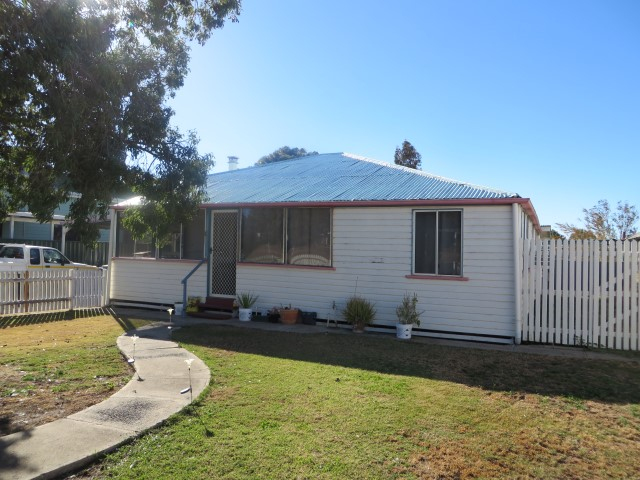 32 Soutter Street, Roma QLD 4455