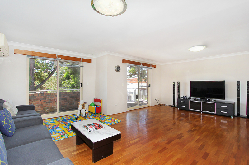 Photo - 3/24 Northumberland Road, Auburn NSW 2144  - Image 1