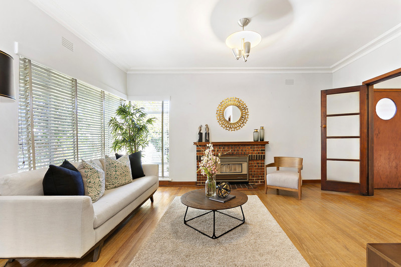 328 Warrigal Road (Cnr Delia St) Road, Oakleigh South VIC 3167