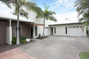 Modern Townhouse in Small Complex in Bongaree
