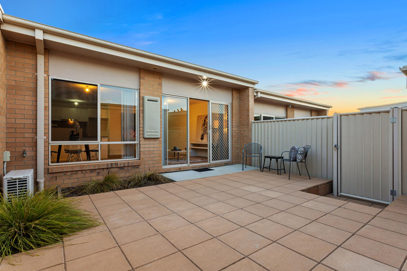 Photo - 3/35 Clare Burton Crescent, Franklin ACT 2913  - Image 3