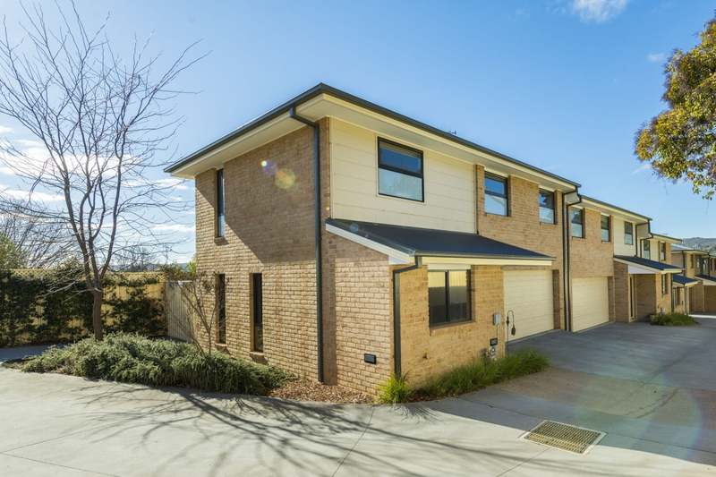 Photo - 3/36 Cameron Road, Queanbeyan NSW 2620  - Image 1