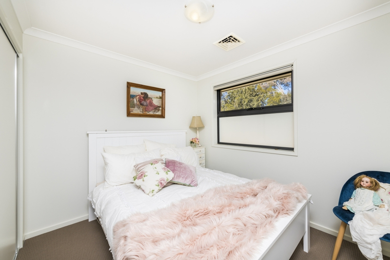 Photo - 3/36 Cameron Road, Queanbeyan NSW 2620  - Image 5