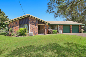 First Time Offered In Over 30 Years – Riverside Lowset Brick and Tile Home