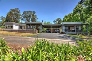 OPEN SAT 1:00 to 1:30pm - Dual Living & Coastal Views - Priced to SELL