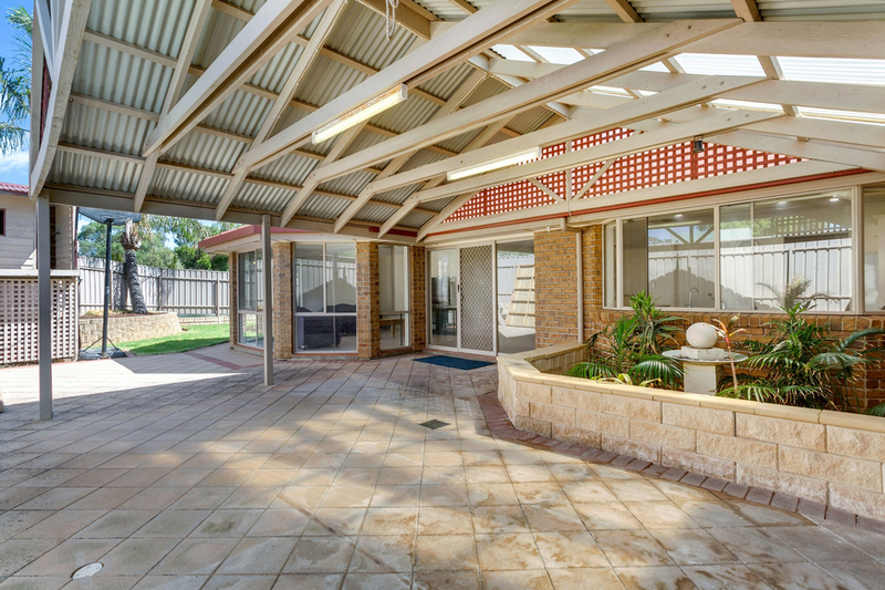 Photo - 34 Shillabeer Crescent, Woodcroft SA 5162  - Image 19