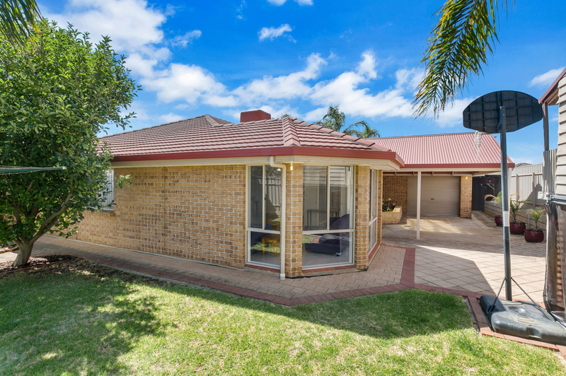 Photo - 34 Shillabeer Crescent, Woodcroft SA 5162  - Image 21