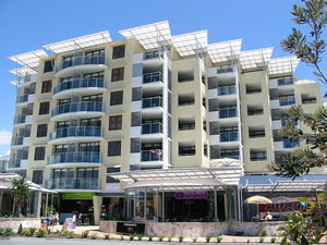 BARGAIN BEACHFRONT APARTMENT @ KINGS BEACH