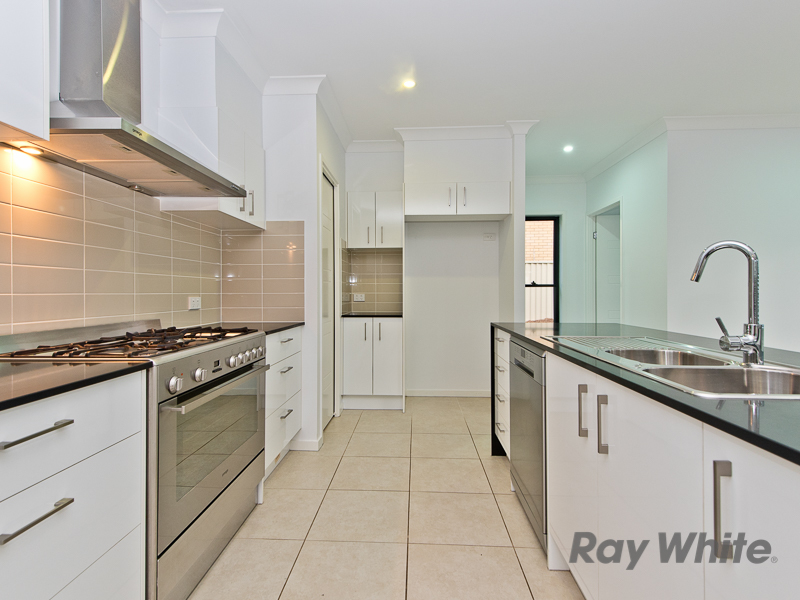 34a maryborough terrace scarborough qld 4020 for Terrace parent lounge