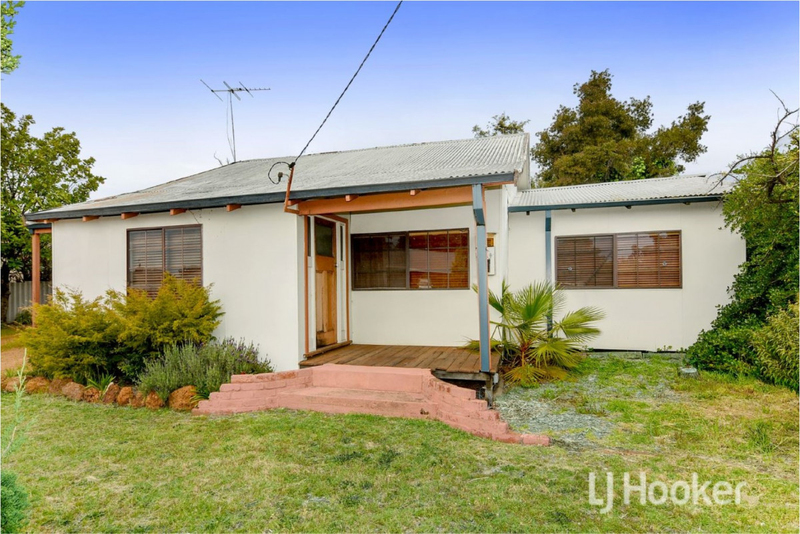 35 Coombes Street, Collie WA 6225