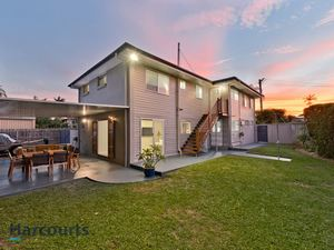 Large Modern & Beautifully Renovated Family Home
