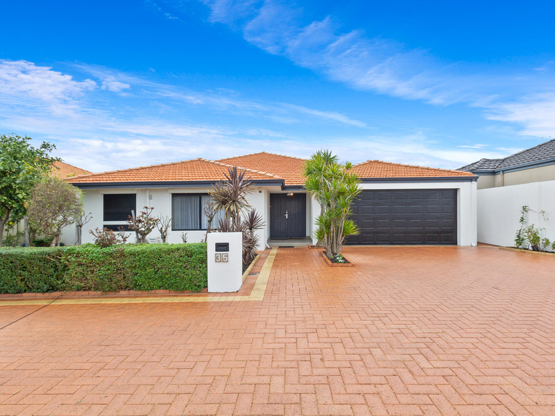 35 Russell Road, Madeley WA 6065