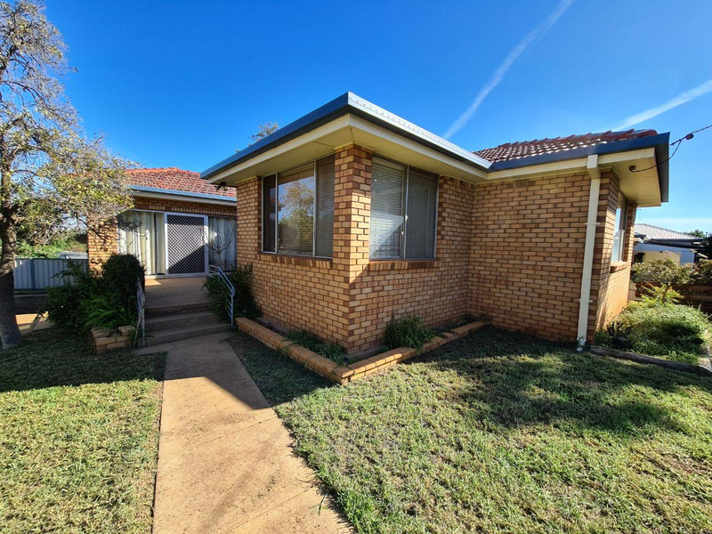 35 Wentworth Street, Parkes NSW 2870