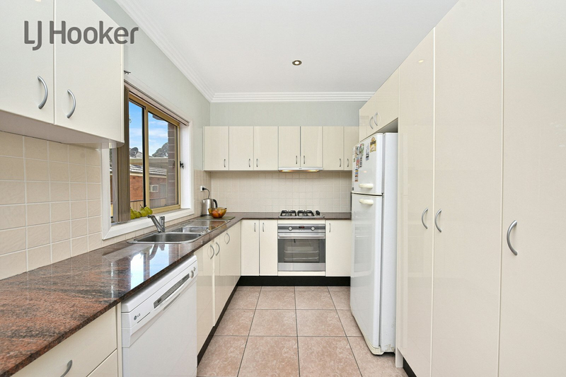 Photo - 3/61 Orchard Road, Bass Hill NSW 2197  - Image 4