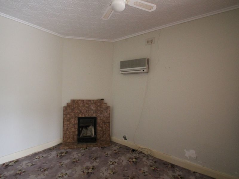 Photo - 37 Caroline Street, Moonta SA 5558  - Image 6